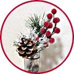 Веточка новогодняя с шишкой и ягодами