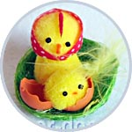 Цыпа и цыпленок в гнезде, пасхальная миниатюра