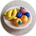 Фрукты на тарелке, миниатюра ручной работы