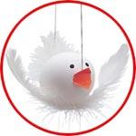 Птичка из яйца и перьев