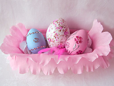 Яйца пасхальные - декор стразами и бумагой