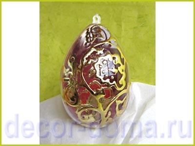 Яйцо с золотым декором