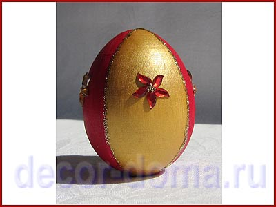 Яйцо - декор со стразами