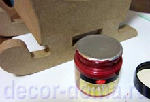 Санки из папье-маше и краска