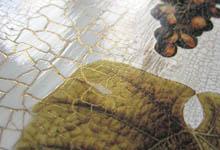 Пигмент в трещинках-кракле