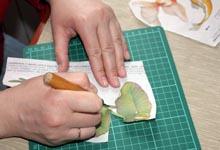 Резка бумаги макетным ножом