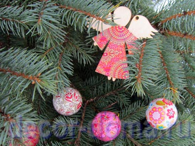 Декор шариков на елку бумагой Декопатч, мастер-класс