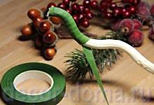 Топиарий новогодний своими руками, обмотка ствола флористической лентой