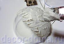 Шарик с домиком-подвеской, снежная паста