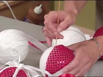 Мастер-класс по декору пенопластовых шаров к Новому Году