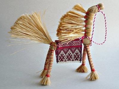 Солнечный конь из натурального лыка