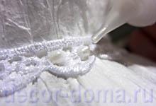 Декор стеклянной вазы к праздникам бумагой плиссе, создание жемчужных бусинок контуром Perlen Pen