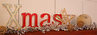 Рождественский декор со стразами и контурами металлик