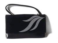 Стразы на сумке