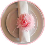 Свадебный декор стола - пышный цветок из папиросной бумаги
